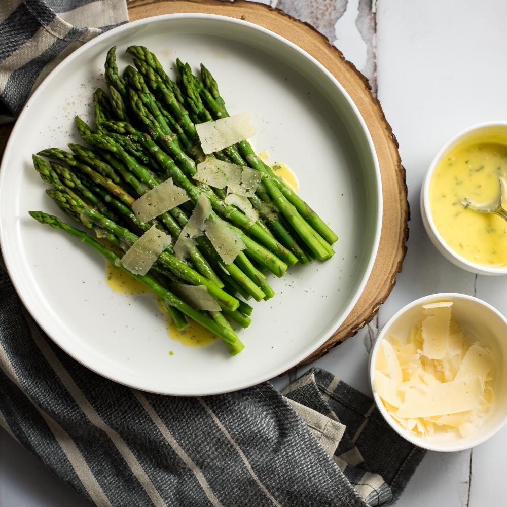 Steamed Asparagus with Ghee Béarnaise Sauce